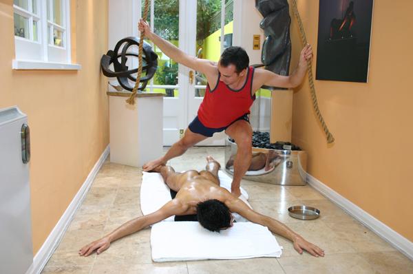 marcnyte_coach_london_chavutti_massage_4