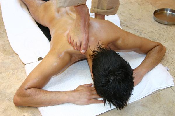 marcnyte_coach_london_chavutti_massage_8